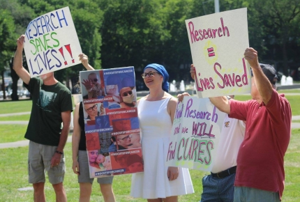 ACS CAN volunteers attend a Rally for Research in Connecticut.