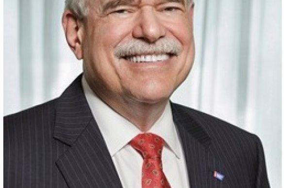 Len Lichtenfeld smiling