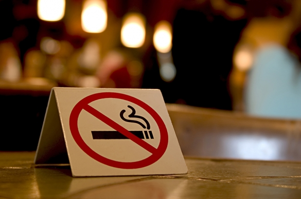 Photo of smoke-free sign on a restaurant table