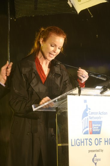 Marcia Cross speaking at the 2015 Lights of Hope ceremony.